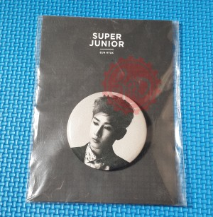SALE Super Junior Official Pin Button Eunhyuk