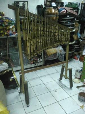 angklung 3 tabung bambu hitam 18 nada