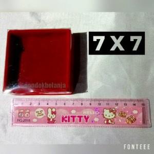 Box Perhiasan Bludru (7x7)