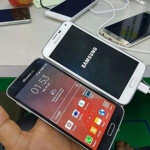 Samsung Galaxy S5 Ram 2Gb Internal 32Gb DOCOMO KEITAI Japan