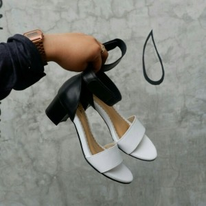 sepatu hitamputih 5cm