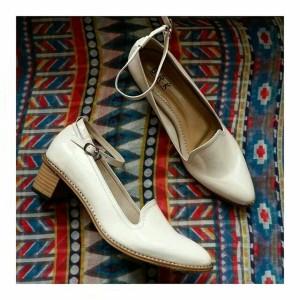 sepatu putih untuk kerja