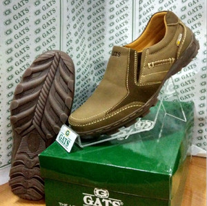 Sepatu Gats Original Casual Pria Slip Kulit Asli Terbaru Camel TO 2206
