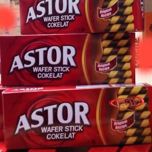 Astor Wafer Double Coklat 4 Kotak 150 gram Biskuit Keluarga Teman Wisata IDR . Source ·