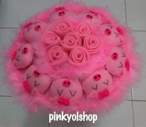 Buket Boneka Piggy Bunga B020