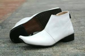 Sepatu pria putih perawat doktor seragam rumah sakit kulit original