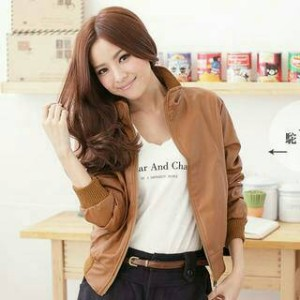 Jaket Semi Kulit Wanita Model Simple Standart