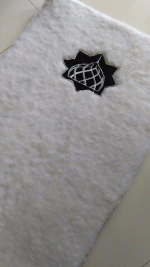 sajadah bulu rasfur putih