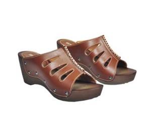 Sandal Heels Wanita Bahan Semi kulit Warna Coklat
