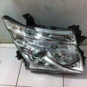 Headlamp Nissan Elgrand