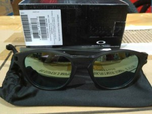 OAKLEY LATCH FRAME MATTE OLIVE INK W EMERALD IRIDIUM LENS 3N