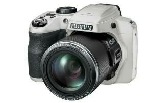 KAMERA FUJIFILM FINEPIX S8200