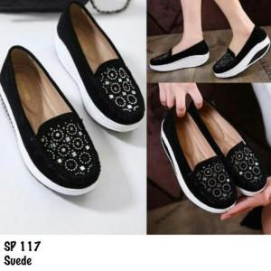 Jual sepatu fashion black Baru   Sepatu Sneakers Wanita Berkualitas