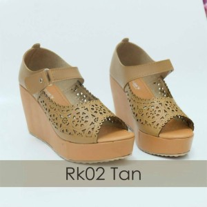 Women Laser Cut Wedges Shoes 9cm -Sandal Wanita Tinggi 9 cm Tan Coklat