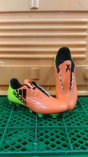 SEPATU SOCCER / Sepatu bola adidas