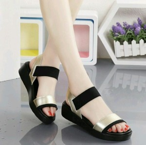 SANDAL WEDGES  warna hitam