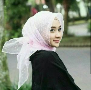 Hijab Squaer Organza Dot Segi Empat Organza Ruby /Organza rumbiah murm