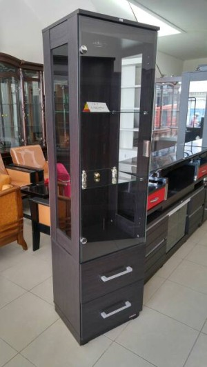 xoxo furniture. Lemari Hiasan 1 Pintu Full Kaca Tempered Modern Minimalist Xoxo Furniture