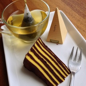 Kue Lapis Legit Harum Bali Coklat Belang