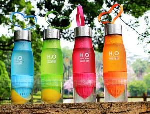 Botol H2O Infused water bottle (dengan alat perasan jeruk) - KHB009