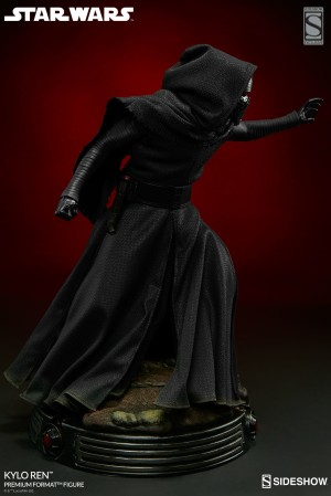 Sideshow Collectibles  Star Wars Kylo Ren Premium Format EXCLUSIVE