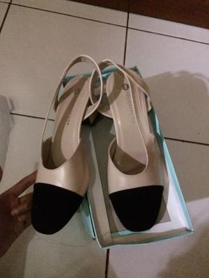 sepatu chanel channel look a like