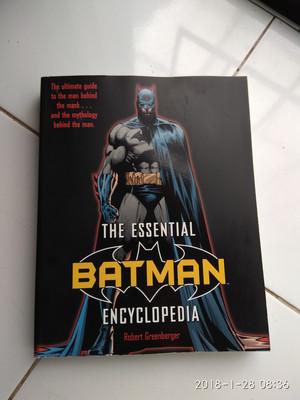 Buku The Essential Batman Encyclopedia