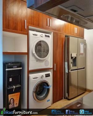Lemari dapur, kompor tanam, cooker hood,Minimalis