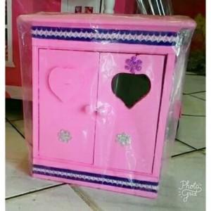 Mainan Lemari Barbie Kayu