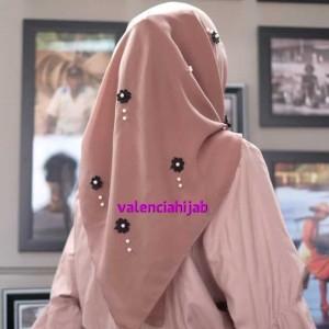 Hijab segiempat/Jilbab/kerudung Snowly Jasmine Pearls VALENCIA ONLY
