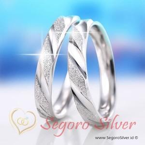 Cincin Tunangan Perak Couple 950 Silver