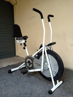PLATINUM BIKE FC 788N SANDARAN alat fitnes sepeda statis olahraga
