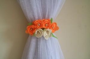 ikat Hordeng / pengikat Hordeng bunga orange muda dan krem