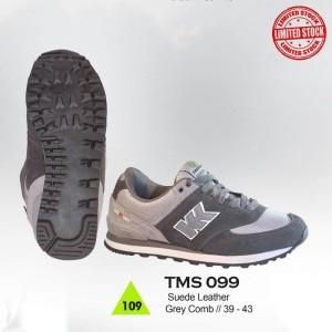 Sepatu Gunung / Hiking / Boot / Adventure Pria - TMS 099