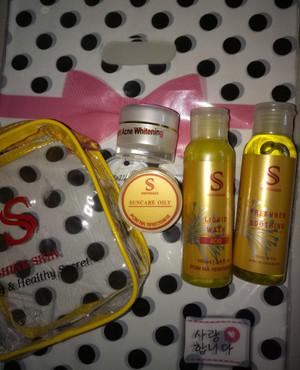 Shineskin paket acne komedo white glow isi 4
