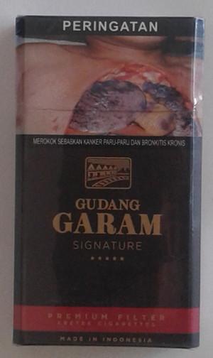 Rokok Gudang Garam Signature Premium Filter 12 GP Hitam