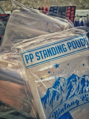 Plastik berdiri ziplock standing pouch 12x20 las tipis