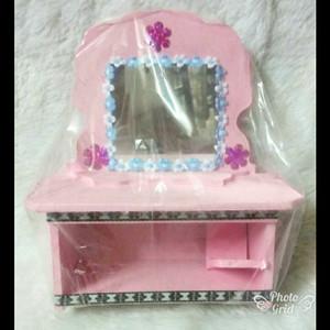 Mainan Meja Rias Barbie