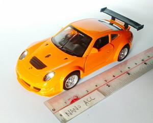 mainan die cast miniatur Porsche 911 GT3 RSR super sport car
