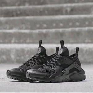 Sepatu Olahraga Nike Huarache All black Premium Sepatu Limited
