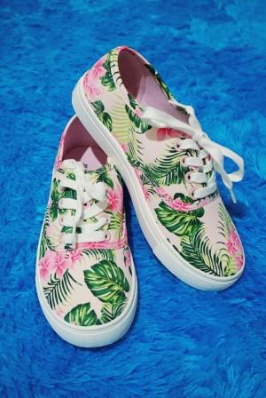 NEW JustFab Breanne Sneakers