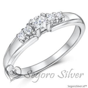 Cincin Wanita Perak Mewah Diamond 950