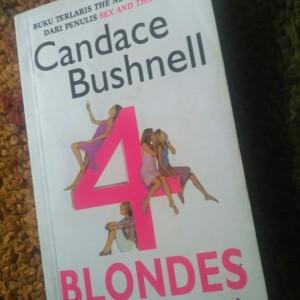 Buku Novel Bekas 4 Blondes (4 Wanita Pirang)