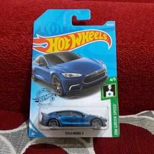 Jual Hotwheels Hot Wheels Tesla Model S Blue Kota Bandung Dejoss Colection Tokopedia
