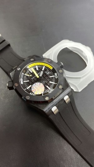 Audemars Piguet Royal Oak Offshore Diver Carbon Swiss Clone 1:1