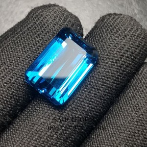SG-046 COLLECTOR SIZE VERY HQOCTAGON STEP CUT LONDON BLUE TOPAZ