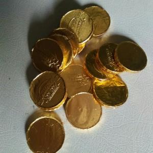 coklat/lebaran/koin