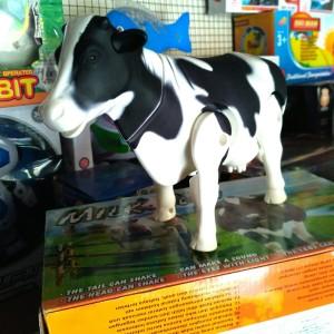 Mainan sapi perah milk cow sapi belang gerak lucu