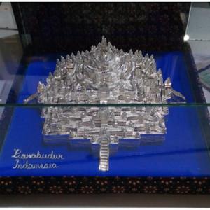 Souvenir Miniatur Candi Borobudur Silver khas Kotagede Yogya