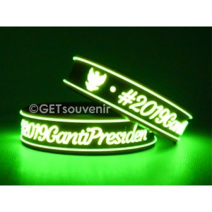 Gelang Karet Kancing Glow in the dark 120pcs Custom Desain Bebas